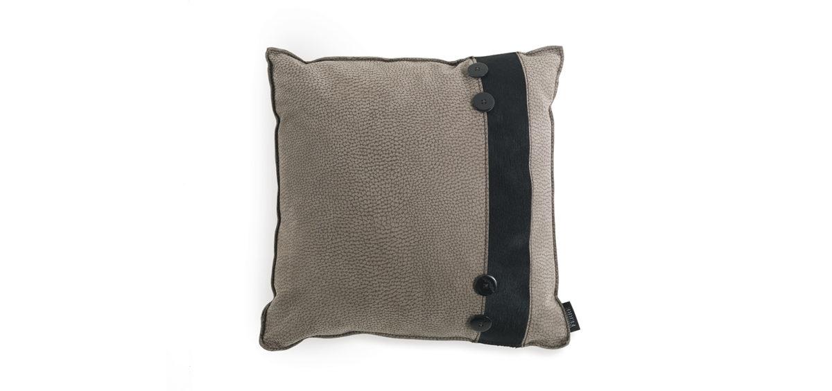 Hunter Cushion