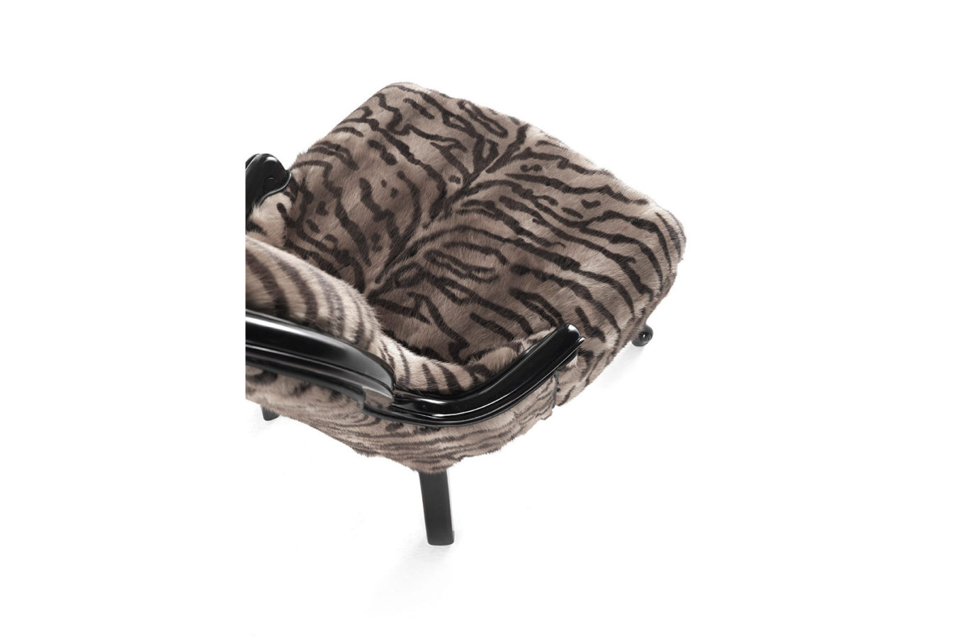 Gianfranco Ferre Home Chalet Armchair 01